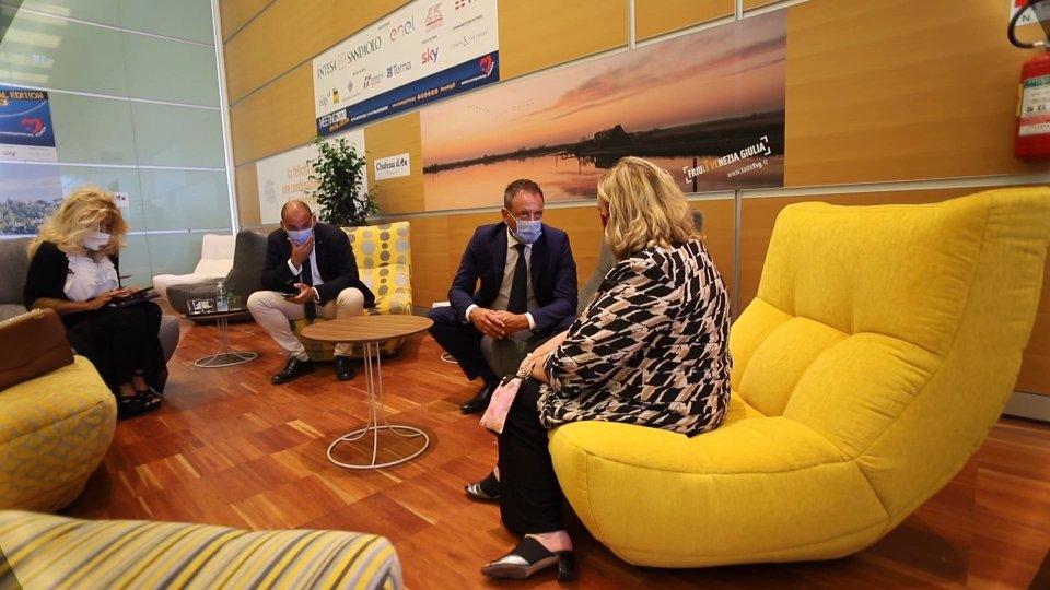 L'incontro fra Luca Beccari, Segretario di Stato Affari Esteri e Emanuela Del Re, vice ministra agli Esteri