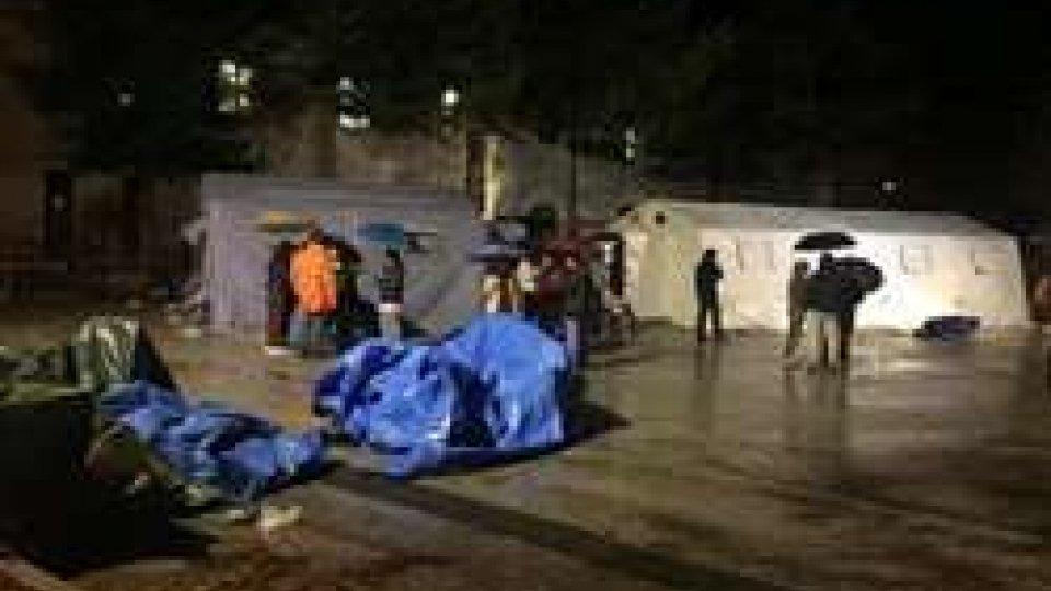 Terremoto, tre forti scosse sconvolgono il centro Italia: un morto di infarto e feriti lievi