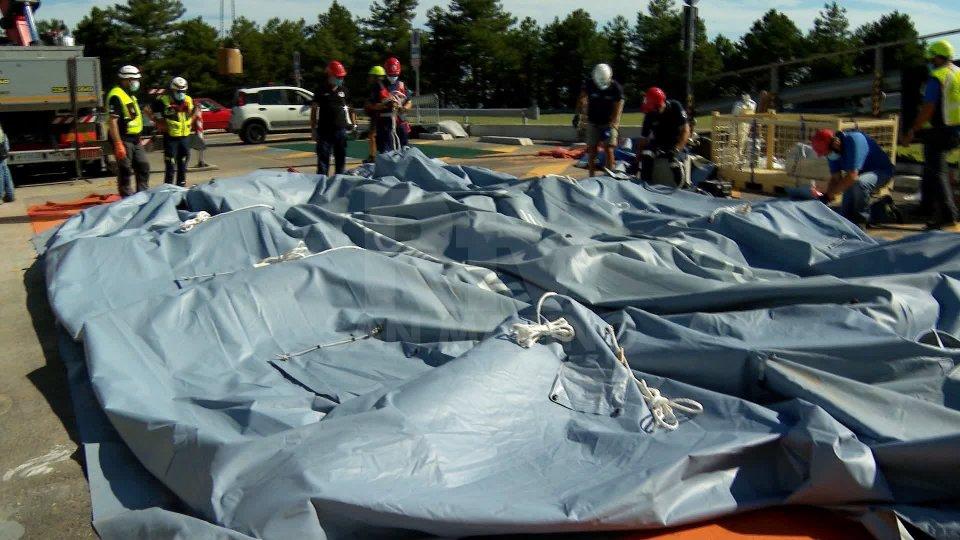 La tenda smontata all'Ospedale di Stato