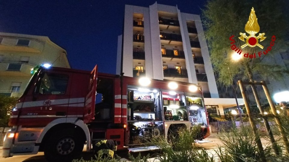 Torre Pedrera: incendio nella lavanderia di un hotel
