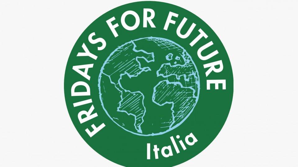 """Fridays For Future Italia annuncia la """"Giornata mondiale di Azione per la Giustizia Climatica"""", il 25 Settembre 2020, e lo """"Sciopero nazionale per il Clima"""", il 9 ottobre 2020"""