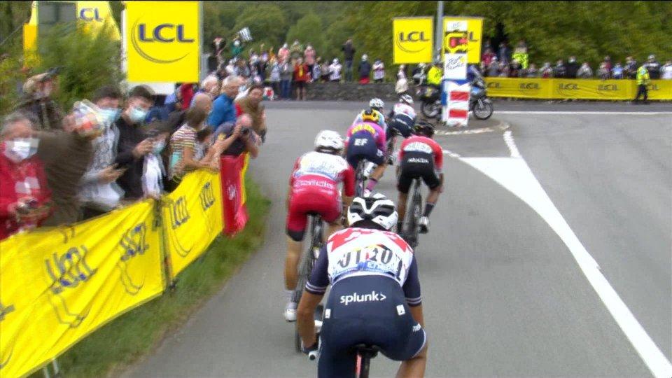 Tour de France, Marc Hirschi vince a Sarran Corrèze. Roglic resta in giallo