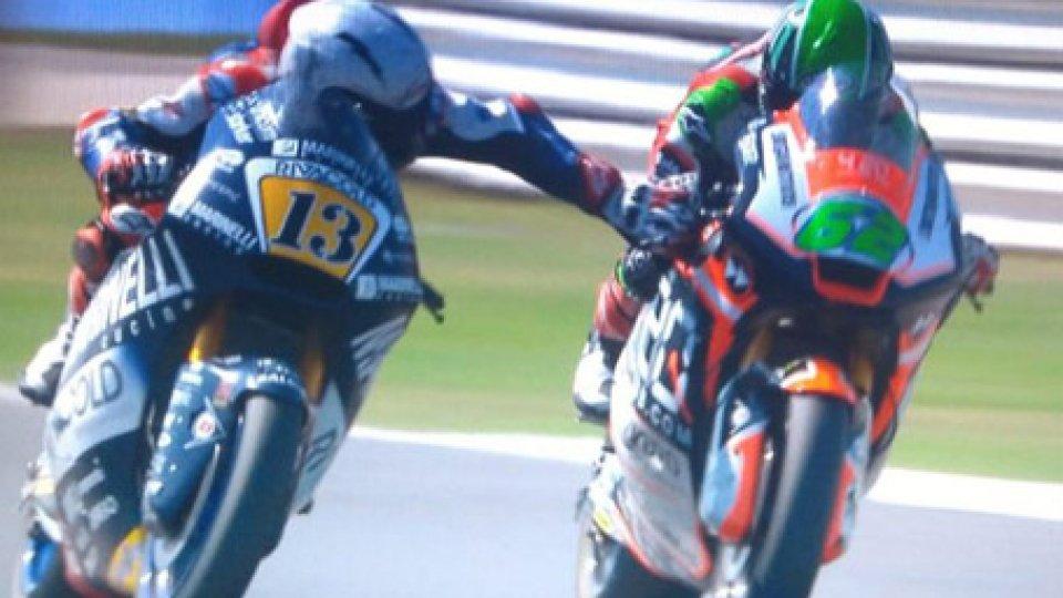 Il momento incriminato nella gara di Moto2