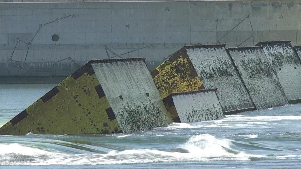 Maltempo: morti e dispersi nel Nordovest dell'Italia. A Venezia sollevate per la prima volta le dighe del Mose