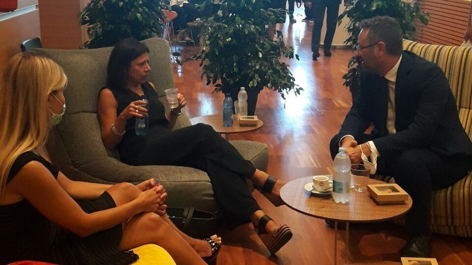 L'incontro tra Marco Gatti e Paola De Micheli al Meeting