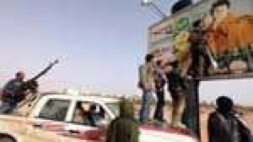 Libia: si stringe la morsa intorno a Bengasi