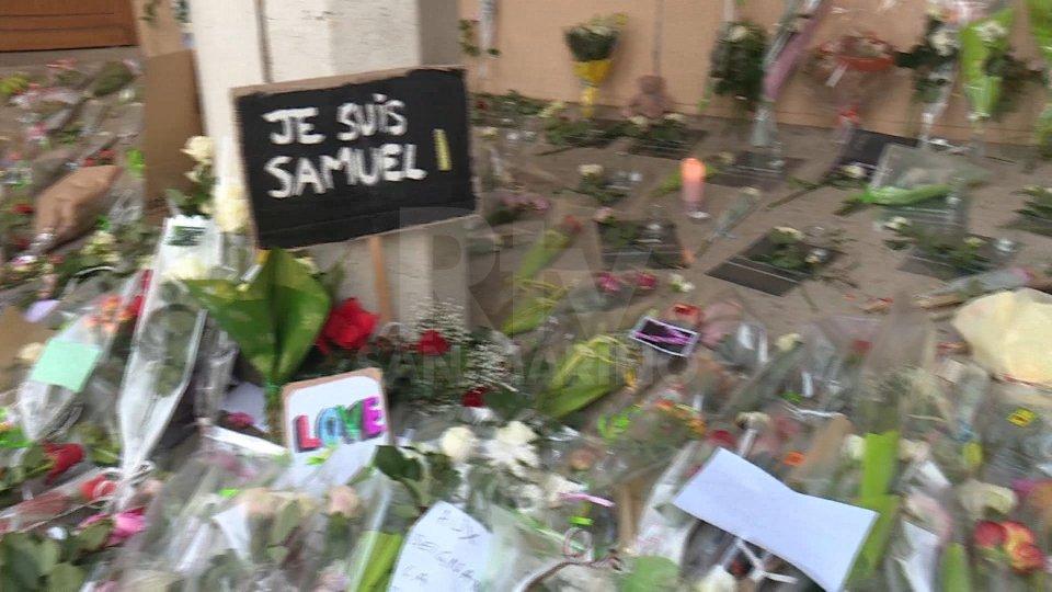 """Professore decapitato: Macron, """"Gli islamisti non dormiranno sonni tranquilli"""""""