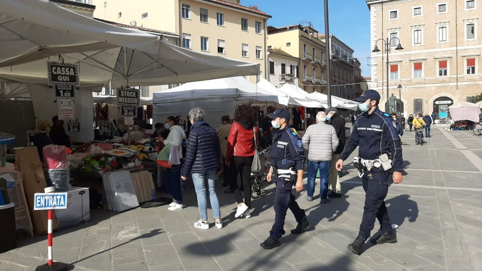 Rimini, stretta sui controlli. Polizia Municipale per mercati rionali in sicurezza