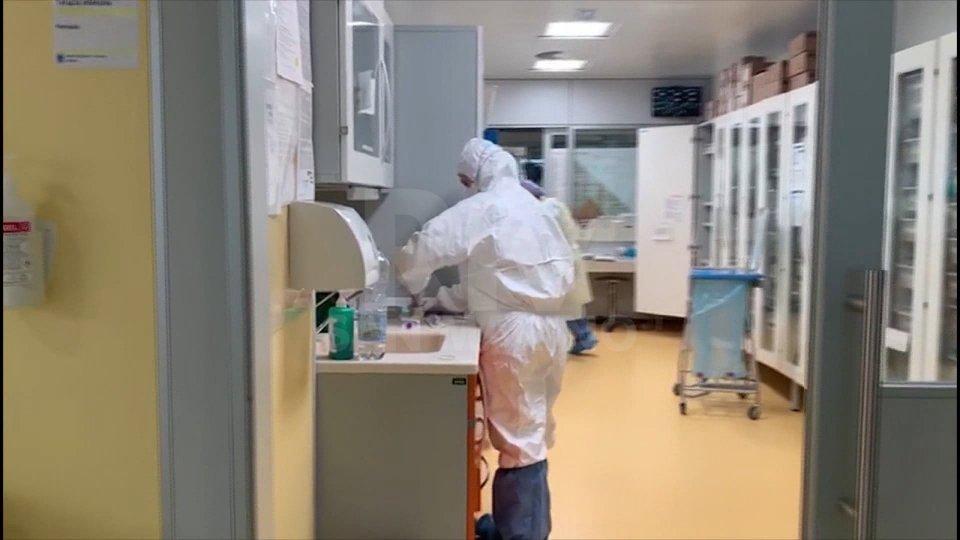 Covid-19:  nuovo record di contagi in Italia, in calo in Emilia-Romagna