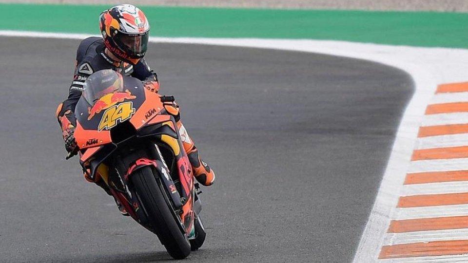 MotoGP: pole per Espargaro davanti a Rins. Valentino solo 18°