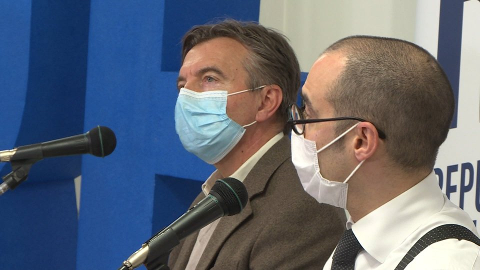 Rf: governo si è ostinato a non prendere drastiche misure preventive e successive