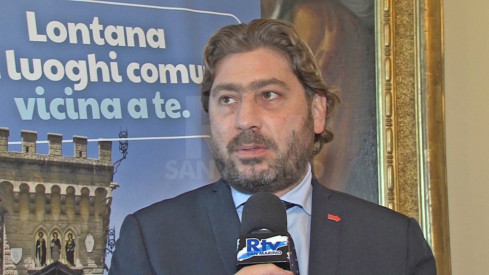 Pedini Amati a RF: Nessuna caccia ai click, con Sgarbi discusso di una serie di iniziative culturali