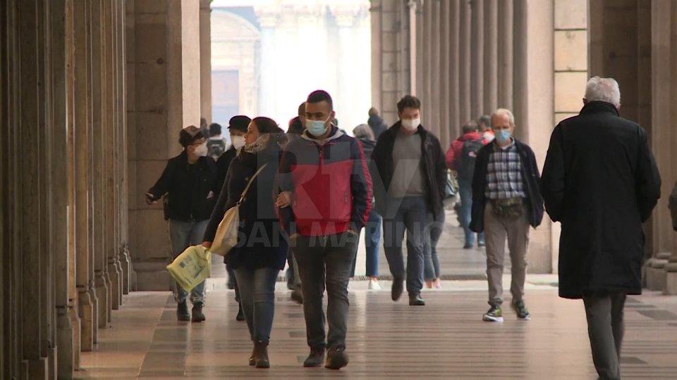 L'Emilia Romagna tenta di rimanere in zona gialla: anche oggi 2.402 contagi e 49 vittime