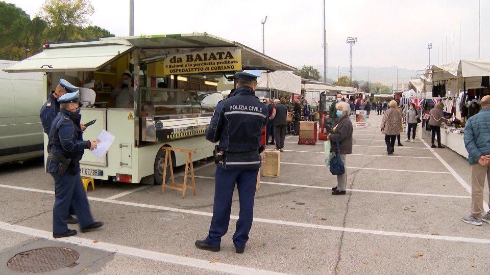 Controlli al mercato di Serravalle