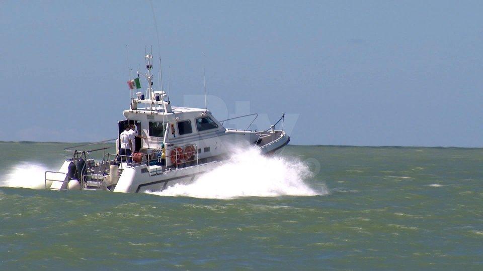 La Capitaneria di Porto di Rimini interviene in soccorso di un'imbarcazione