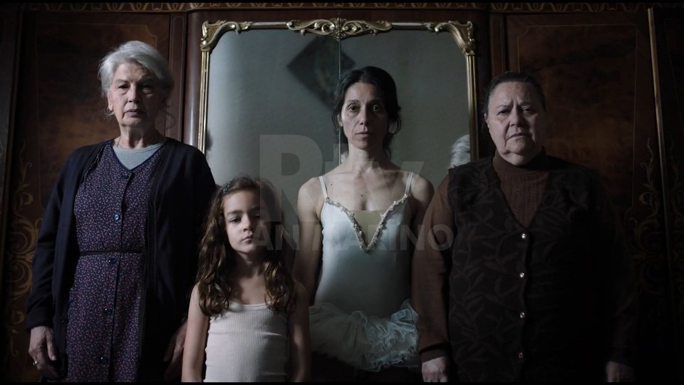 Emma Dante in una famiglia di sole figlie
