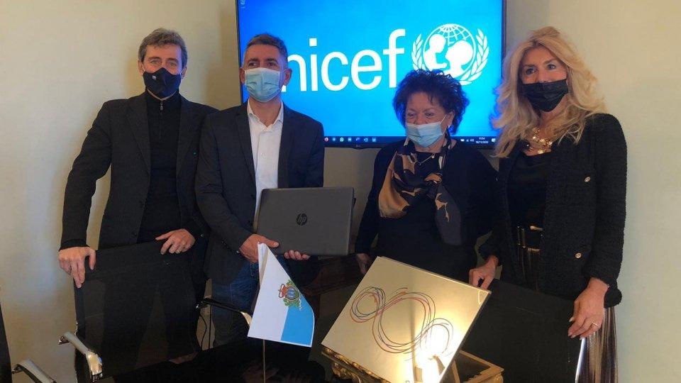 Commissione Unicef San Marino dona quattro notebook alla Scuola Secondaria Superiore