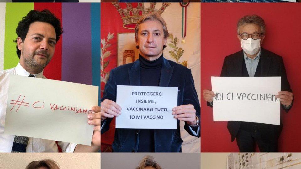 """Sindaco e Giunta di Rimini pronti a sottoporsi al vaccino, """"È un pizzico di futuro"""""""