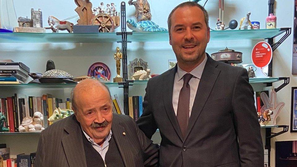 """Maurizio Costanzo """"Cavaliere di Sant'Agata"""", Lonfernini consegna l'onorificenza"""