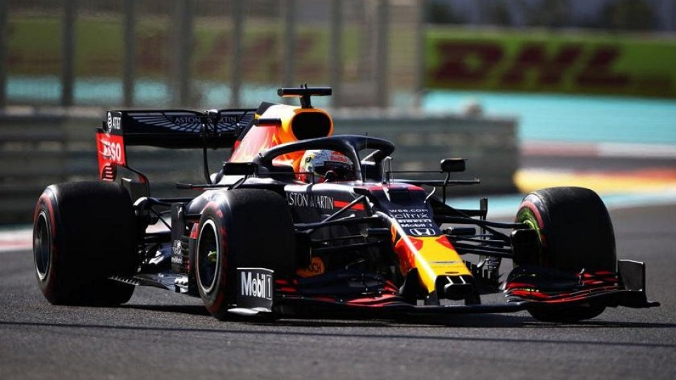 GP Abu Dhabi: vince Verstappen davanti alle Mercedes, male le Ferrari