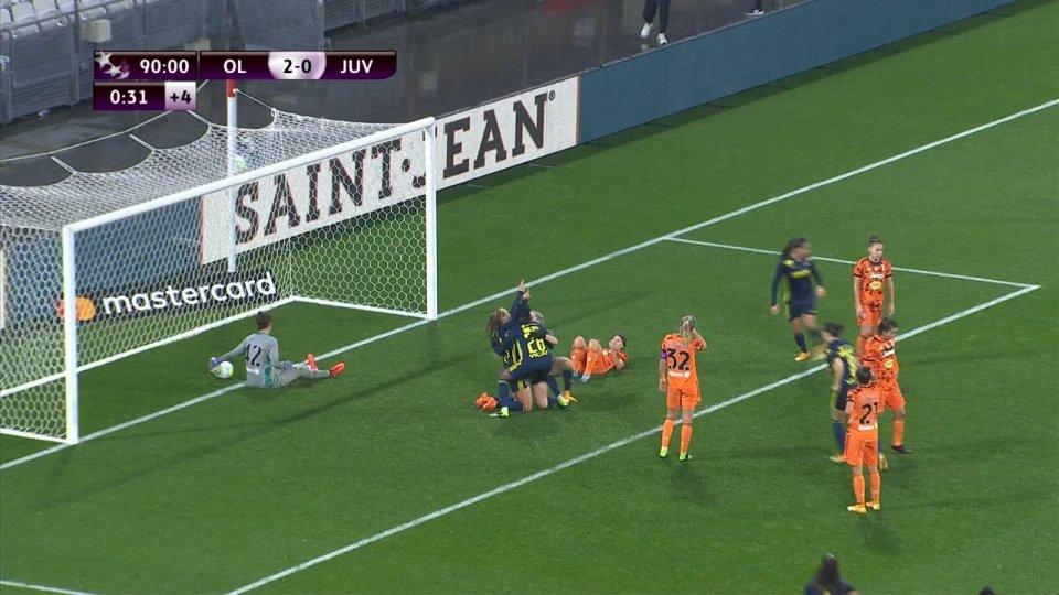 Juventus fuori: il Lione vince 3-0. La Fiorentina agli ottavi: 1-0 a Praga.