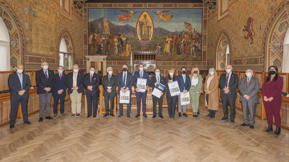 Banca di San Marino in udienza dagli Eccellentissimi Capitani Reggenti per presentare il Calendario 2021 Paesaggi Sammarinesi Ambiente & Territorio