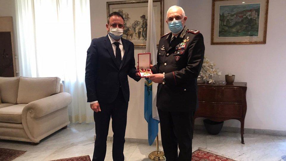 il Segretario Luca Beccari col Generale Teo Luzi