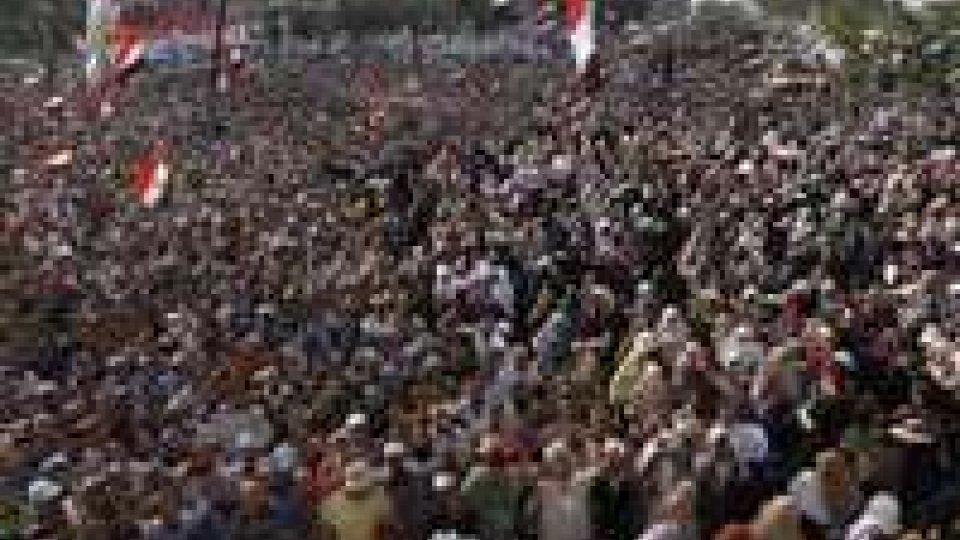 """Egitto: Mansur vara """"road map"""", elezioni entro 2014"""