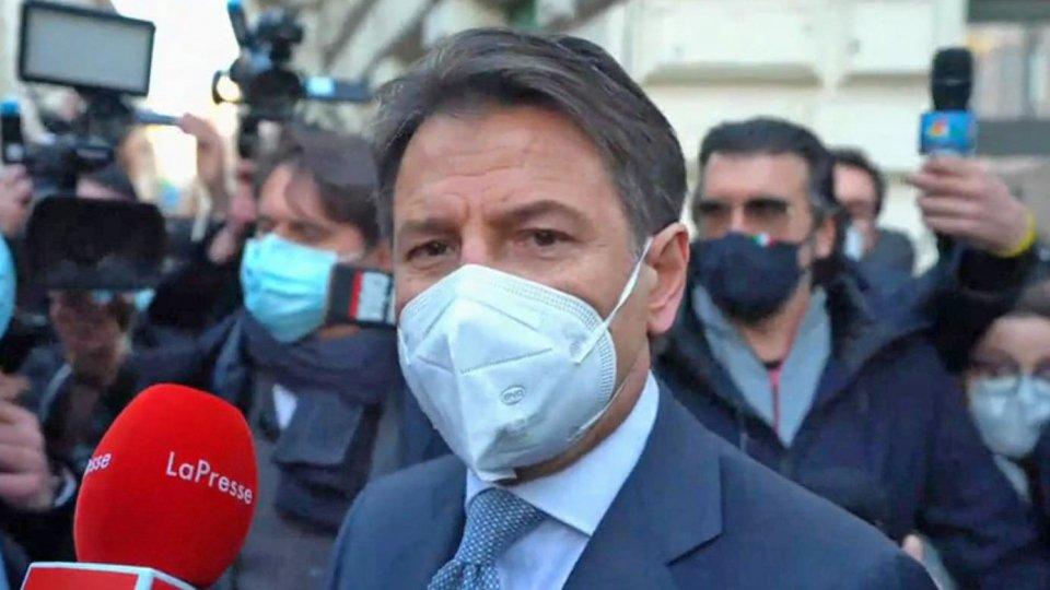 """Crisi di governo: lunedì Conte riferisce alla Camera; appello del Pd ai """"costruttori"""""""