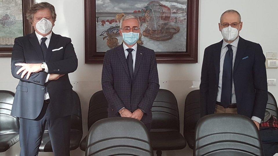 Gianni Indino, il prefetto Giuseppe Forlenza e Mirco Pari