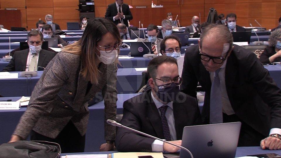 """San Marino introduce il reato di """"Revenge Porn"""": pene fino a 6 anni di prigionia e 12mila euro di multa"""
