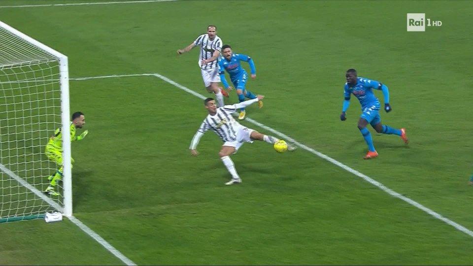 Gol di Cristiano Ronaldo in Juventus-Napoli