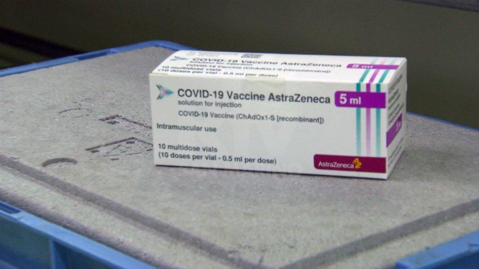 Immagine di repertorioCovid in Emilia Romagna: 1.383 nuovi casi. 191 a Rimini. Arrivato il vaccino  AstraZeneca in Italia