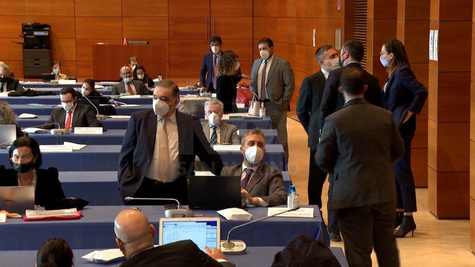 Decreto Bond da 340 milioni: ratifica attesa in seduta serale