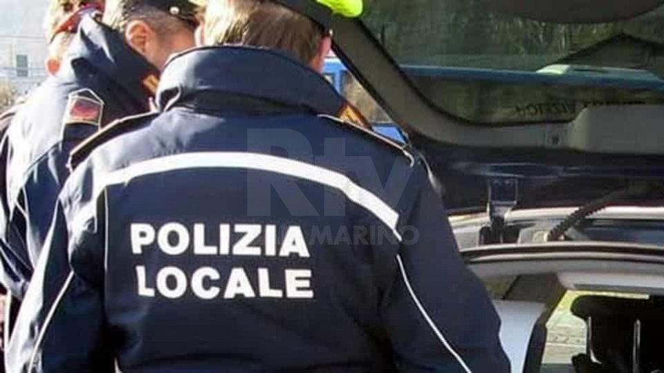 Bivaccano in hotel chiuso a Rimini, 4 persone denunciate da Polizia Locale