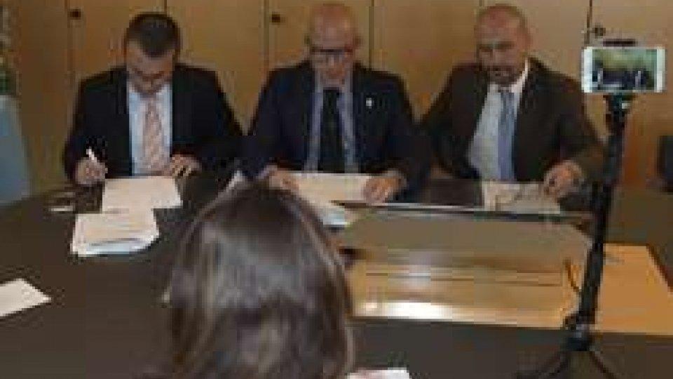 """Simone Celli, Marco Podeschi e Franco SantiIn Congresso decreti in materia bancaria, sanità e istruzione nel progetto """"Classe Viva"""""""