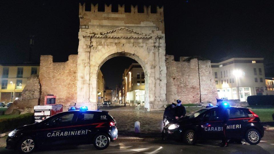 Rimini: sanzioni per 17 persone e 3 bar per il mancato rispetto delle norme anti Covid