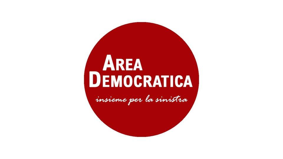 """Area Democratica sottolinea la spaccatura del Congresso sulle restrizioni: """"Teatrino stucchevole"""""""