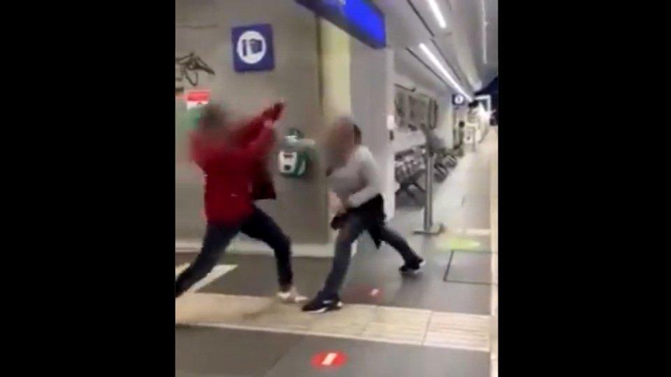 Un fermo immagine del video delll'aggressione