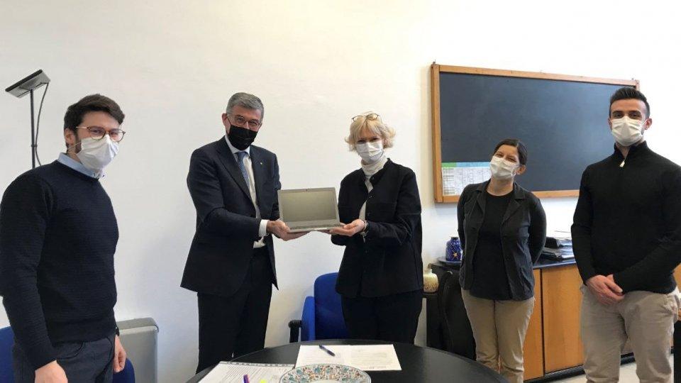Club Rotary di San Marino dona di 5 computer al Centro di Formazione Professionale per la DAD