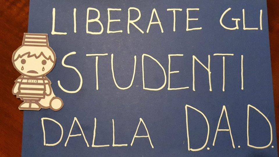 """Rete Nazionale """"Scuola in Presenza"""": a Rimini dal 7 aprile, 107mila studenti ancora in DAD"""