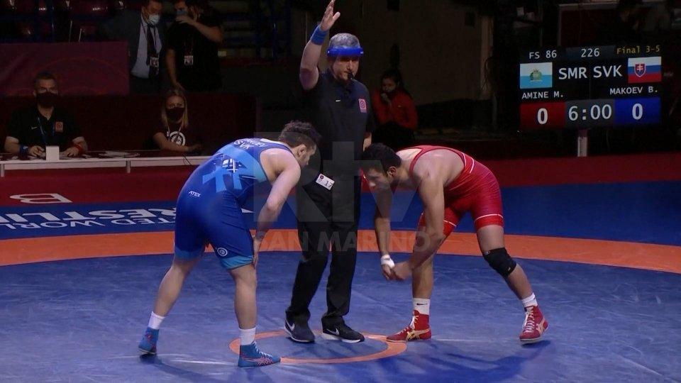 Myles Amine Mularoni nella finale per il bronzo agli Europei di lotta a Varsavia