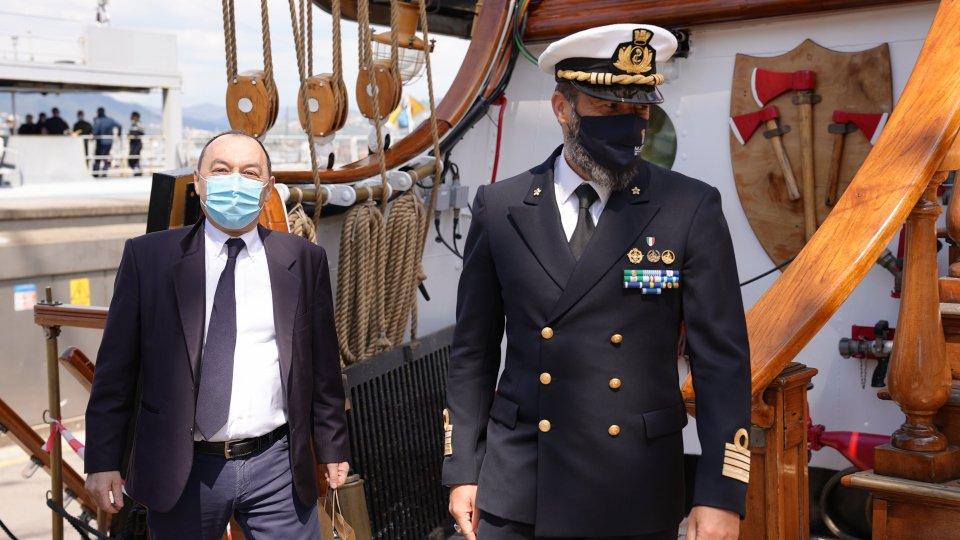 """L'""""Amerigo Vespucci"""", nave simbolo dell'Italia nel mondo, lancia un messaggio - video di ringraziamento all'ospedale di Forlì"""