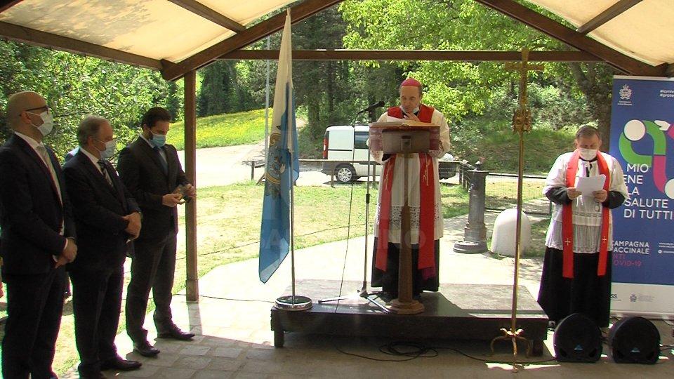 Covid: all'Ospedale un momento di preghiera insieme a sanitari e volontari in prima linea