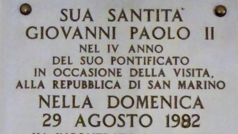 Giovani Paolo II e il Titano