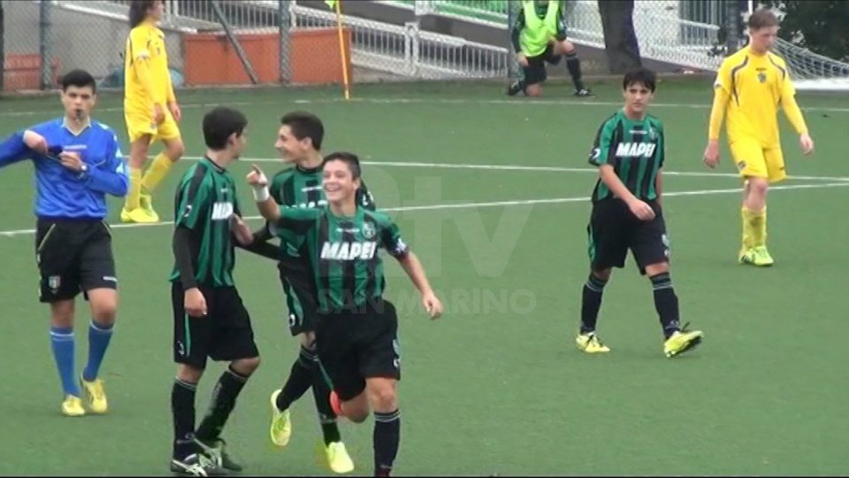 L'esultanza di Giacomo Raspadori per il gol segnato al San Marino nel novembre 2014.