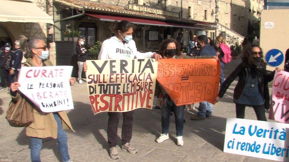 """Protesta sul Pianello del gruppo """"Libertà per San Marino"""""""
