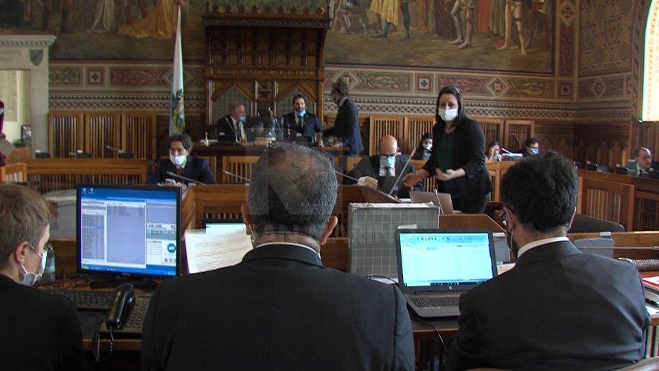 Consiglio: ratificati il decreto sulla valutazione dei vertici PA e quello sui sostegni a famiglie e operatori