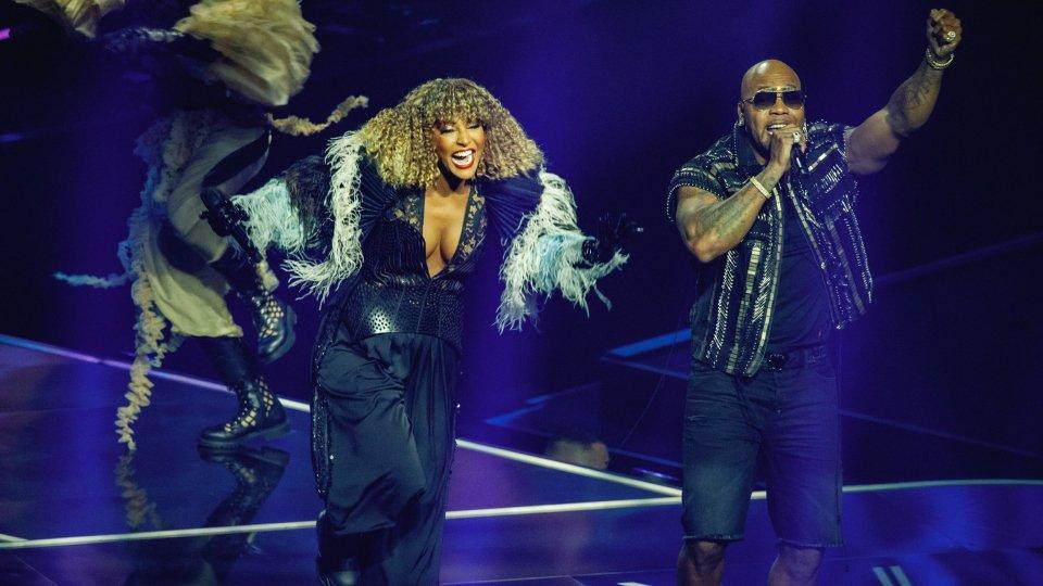 Eurovision: su il sipario, Senhit e Flo Rida chiuderanno la finale