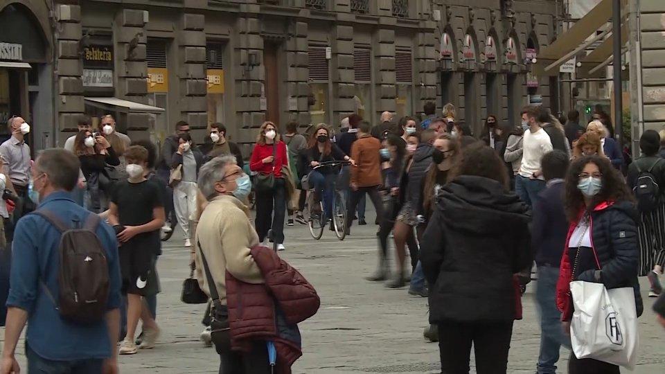 Da oggi tutta Italia in zona gialla: 10 milioni di cittadini hanno completato il ciclo vaccinale